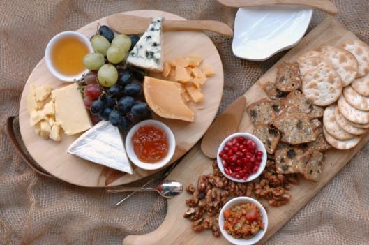 Krayls-Easy-Holiday-Cheese-Board-AnAppealingPlan.com-AnAppealingPlan-EntertainingAtHome-4-1000x665.jpg