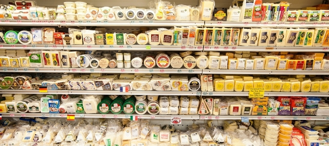 mana-foods-cheese-department-display.jpg
