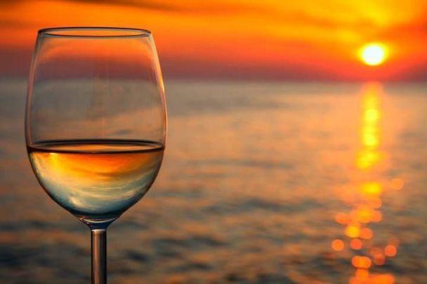 wine-at-the-beach.jpg