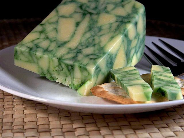 Sage_derby_cheese.jpg